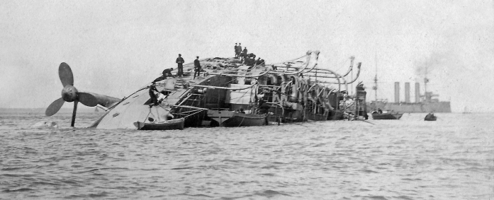 lr HMS Gladiator
